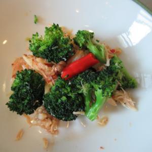 菱蟹とブロッコリーの豆瓣醬炊き