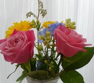 上手に飾れたかな?お花をお部屋に飾ってみました