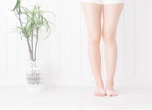 高齢者の方にも人気!足のむくみと冷えには塗るだけ簡単のクリームで改善!