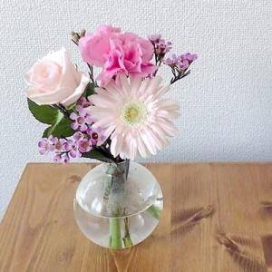 『お花のある暮らし』インテリアに取り入れるお花を飾る効果とは