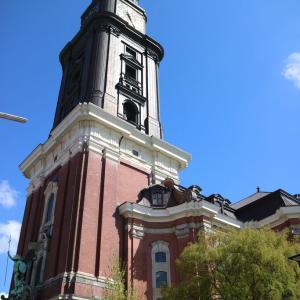 聖ミヒャエル教会とエルベ川