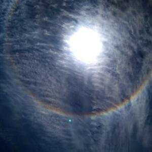 「きぼう」と彩雲と