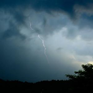 雷とゲリラ豪雨な毎日・・・^^;