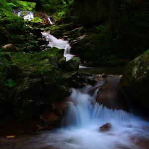 滝やせせらぎの長秒写真は楽し♪