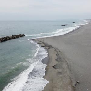 【静岡県浜松市】日本三大砂丘の一つ 中田島砂丘波打ち際上空からの映像 その③
