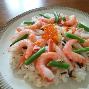 海老といくらのちらし寿司とカレーのどら焼き。