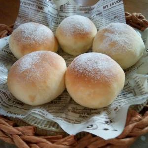 簡単すぎる本格パンと、小物入れ編みました。