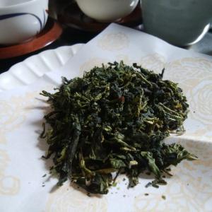 電子レンジで新茶作りとメロンのバウムクーヘン。