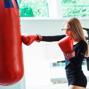 女性芸能人がこぞってハマるキックボクシング!