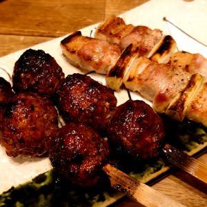 焼き鳥のように豚肉を食べる。炭焼処とことん