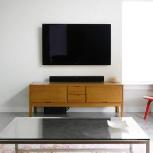 実際に85V型テレビを壁にかけてみたら?