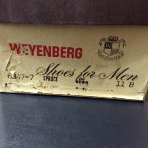 Florsheim のユーズドと Weyenbergの箱付きデッド。