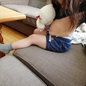 【2歳11ヶ月 娘】母乳タイム。