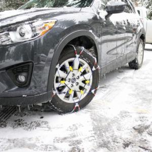 国交省が立ち往生の車に罰則検討?急な雪でも使えるスプレーチェーン3選