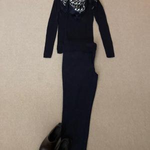 Diorのスカーフがアクセントな全身紺でハロウィンコスチューム