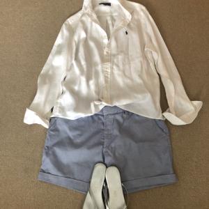 リネンの白シャツで週末の予定と体力