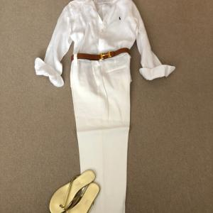 全身白のリネンに帽子とサンダルで残念な2年連続…涙