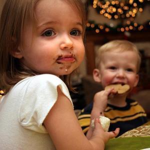ついついお菓子を与えてしまうお母さんに知ってほしいこと
