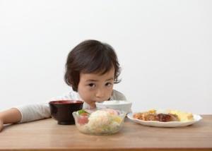 「上手に食べる」は大人のエゴ