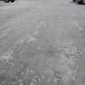 今年のツルツル路面はホントに酷いです。転び難い歩き方テクニック。