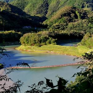 鏡ダム湖の真ん中にある中ノ崎とは?
