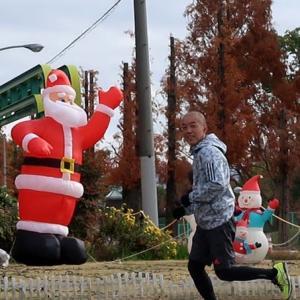 街はすでにクリスマスムード jogged already in the mood of Cristmas
