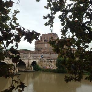 ローマは秋の雨