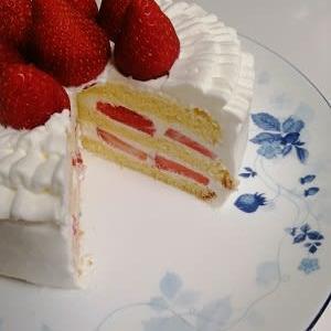 *ショートケーキのカット面*