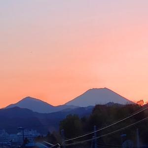 富士の見える坂道で11.30