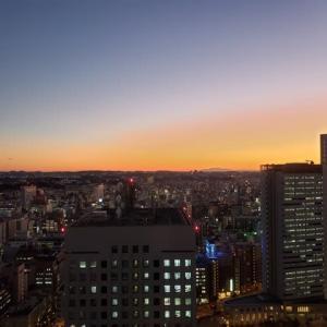 横浜ベイタワーホテルからの夕暮れ12.04