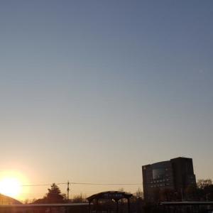 昭島にて夕暮れ前に4.05