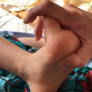 書字障害の低緊張児の胸筋肉をつける