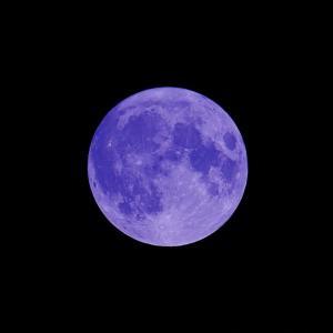 20/10/31  今夜のまん丸お月様は、月齢14日目のブルームーン(blue moon)とミニマムムーン! そして今日は…。