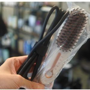 超簡単にクセ毛を真っ直ぐ綺麗にするヘアブラシ