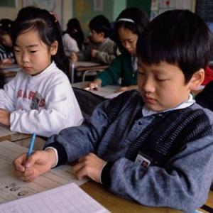 【社会問題】どうして日本の児童は、学校へ行くことを嫌がるのか?