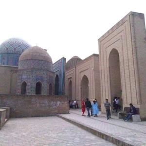 【ウズベキスタン】世界遺産 サマルカンドのシャーヒ・ズィンダ廟群とカリモフ前大統領の廟所