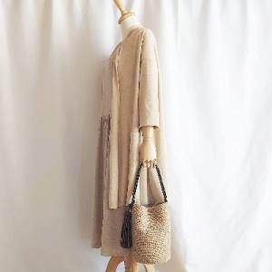 ワンハンドルのバケツ型バッグ