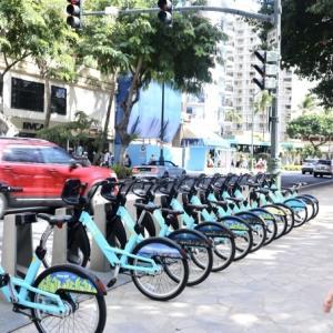 ハワイの現地移動はトロリーもいいけど、バスもいい!  by LINEトラベルjp