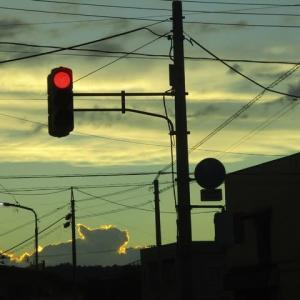 陽が沈むころ