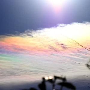 師走の空に吉兆の印「彩雲」再び!