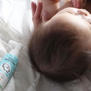 頭を洗ってあげるときは、ベビーシャンプーを使うのがおすすめ