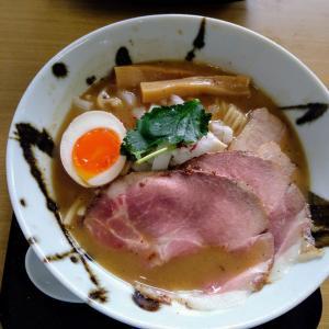 新潟市弁天橋通にある「中華そば 石黒」で極にぼとチャーシュー丼を食べた