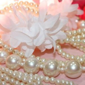 新潟市の人情横丁にある「ブーマリー」に真珠のアクセサリーが絶対に出てくる最強ガチャが設置されている!