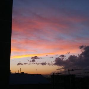 サーモンピンクの雲