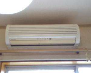 エアコン取付工事に3時間半