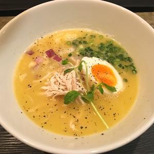 旭川市 ラーメン  麺や さまざくら  濃厚鶏白湯篇(塩)