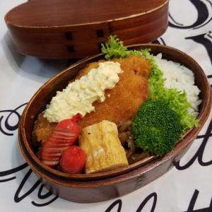 白身魚のフライ弁当。
