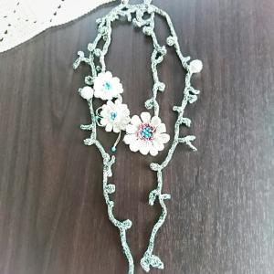 ラリエッタ お花を繋いで完成しました♪