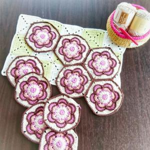 Painted flower hexagon⑤ モチーフ 結局10個編んで繋げます