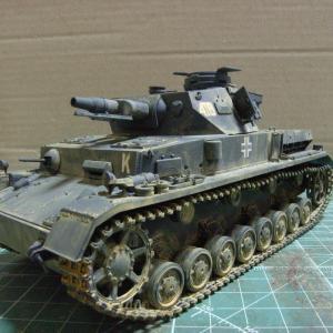 タミヤの新製品IV号戦車F型を作る(塗装)
